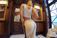 Blondes Look Good in Anything | StastQVR