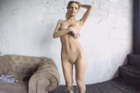 Sexy Blonde Strips and Shows Her Tight Body | StastQVR